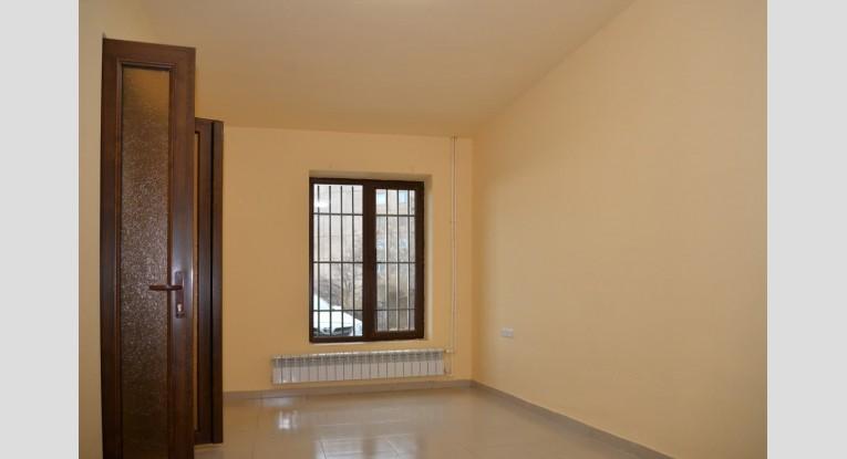 Ունիվերսալ  տարածք, 3 սենյակ
