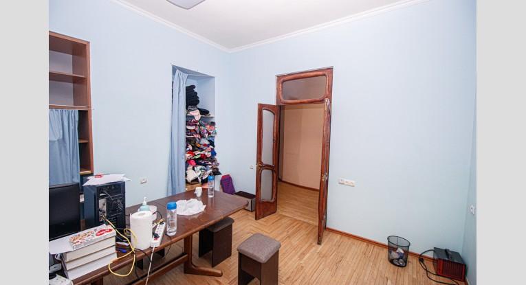 Բնակարան գրասենյակի  համար, 3 սենյակ